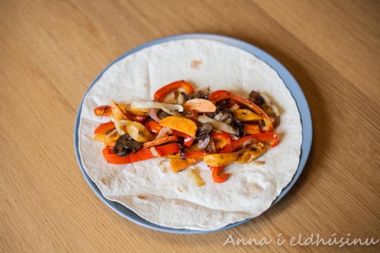 Tortilla með grænmetisfyllingu